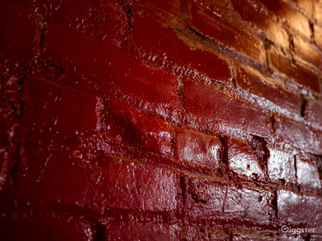Red Warehouse Room Photo 5