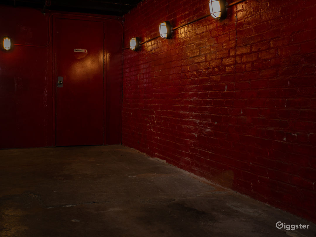 Red Warehouse Room Photo 3
