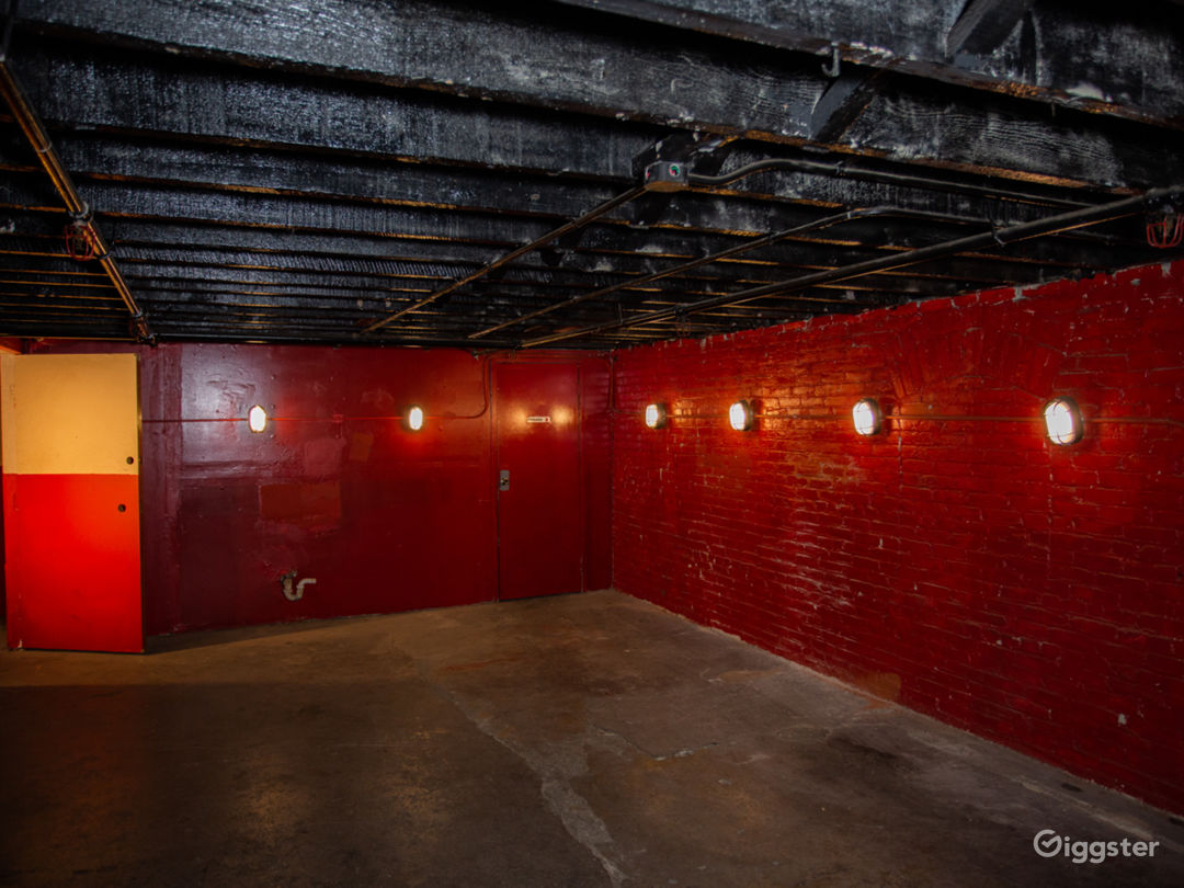Red Warehouse Room Photo 1