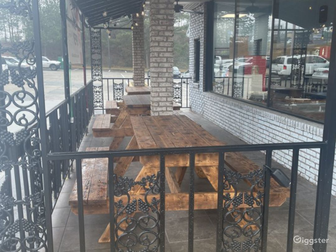 Airy and Cozy Patio Photo 1