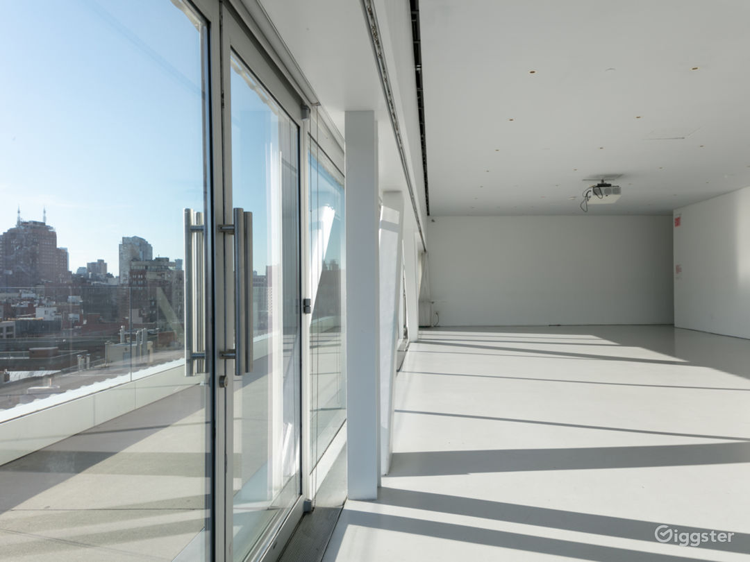Sun-drenched Event Space with Terrace in Downtown Manhattan Photo 3