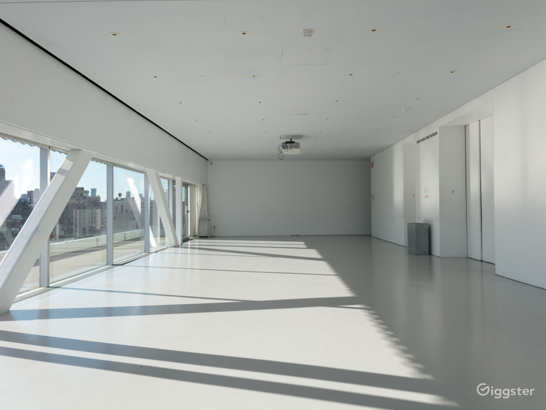 Sun-drenched Event Space with Terrace in Downtown Manhattan Photo 4