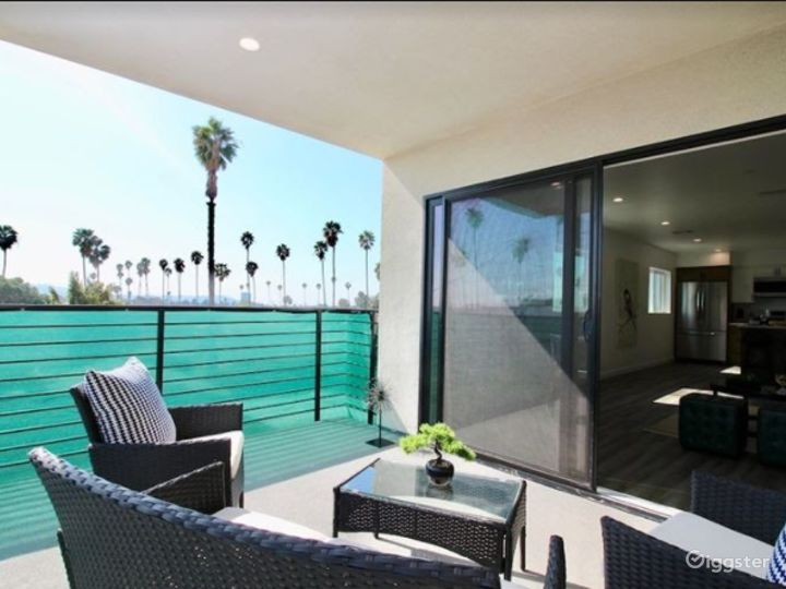Charming Patio with Terrace Photo 3