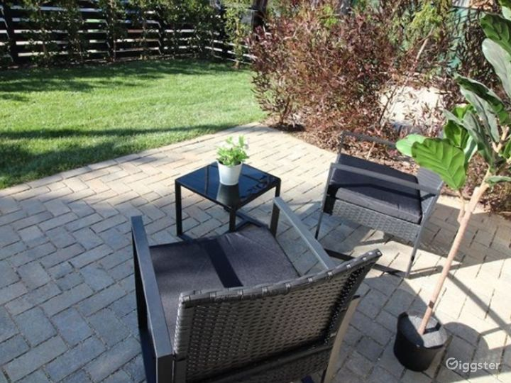 Charming Patio with Terrace Photo 4