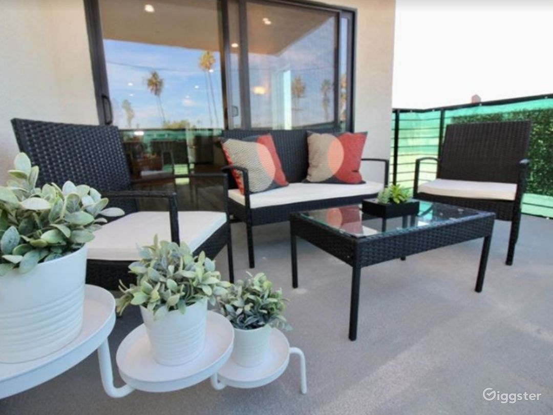 Charming Patio with Terrace Photo 1