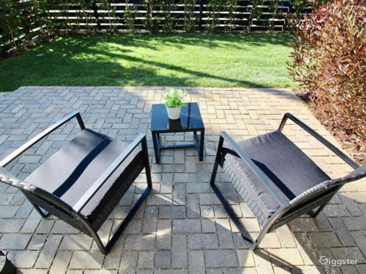 Charming Patio with Terrace Photo 2