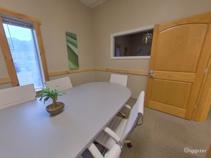 The Small Conference Room  Photo 2