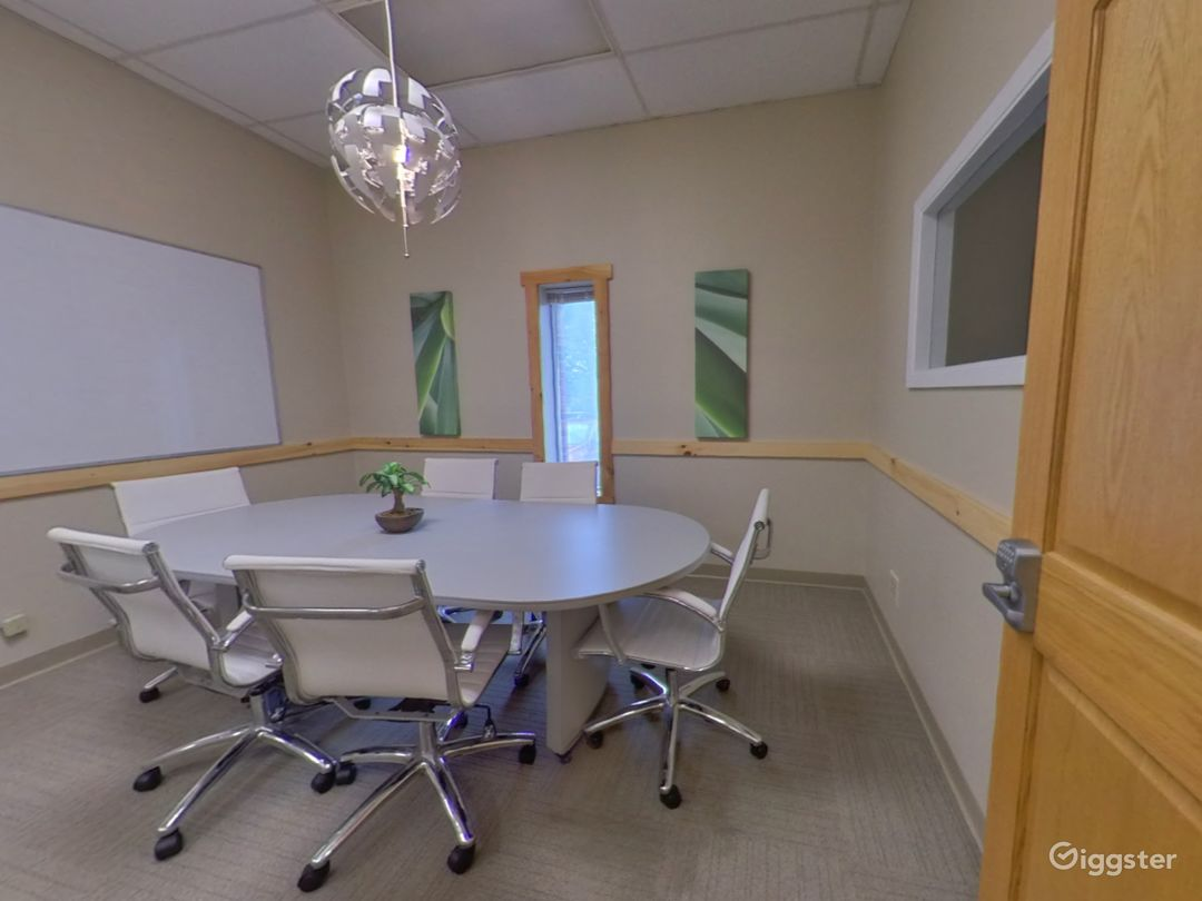 The Small Conference Room  Photo 1