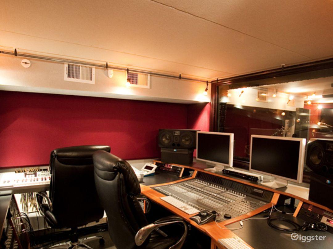 Luxury Beachfront Recording Studio  Photo 2