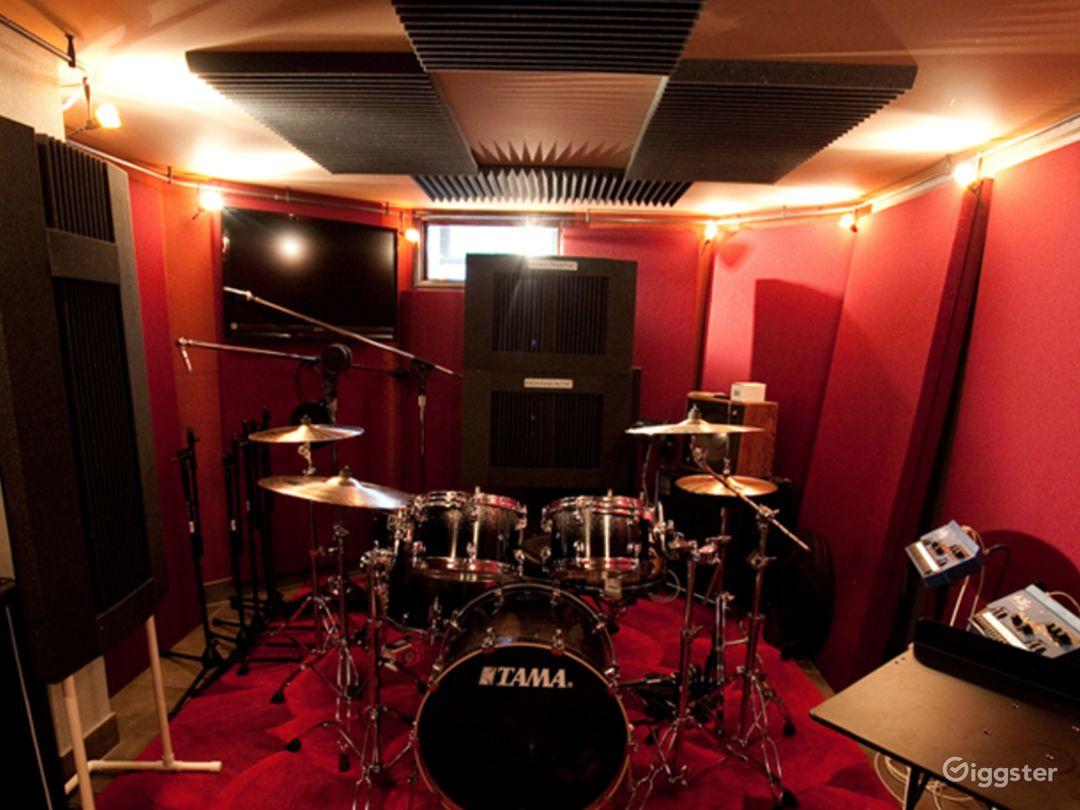 Luxury Beachfront Recording Studio  Photo 5