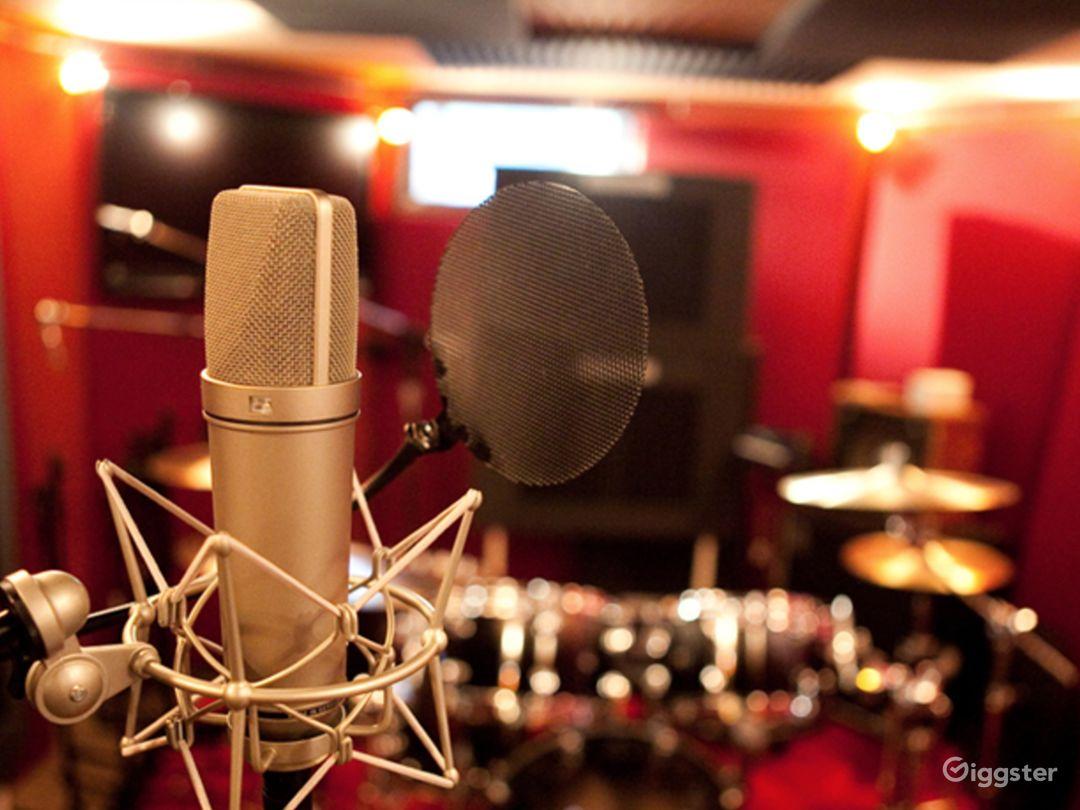 Luxury Beachfront Recording Studio  Photo 1