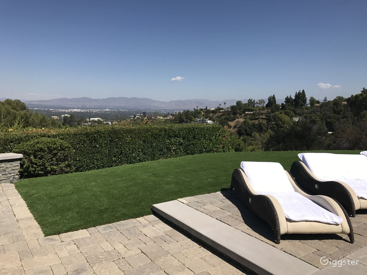Rent The House(residential) Amazing Views, Pool, Spacious Backyard For Film/