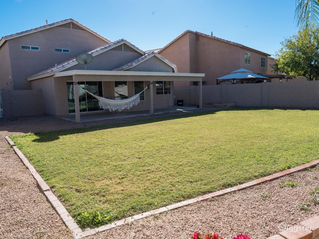 Contemporary house by Downtown Chandler Photo 2