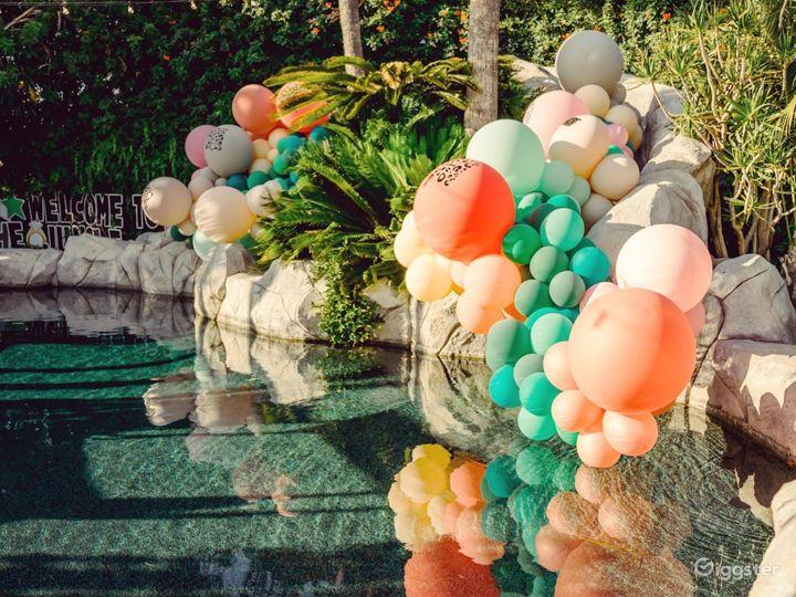 Private, tropical, resort-like yard/pool/slide Photo 2