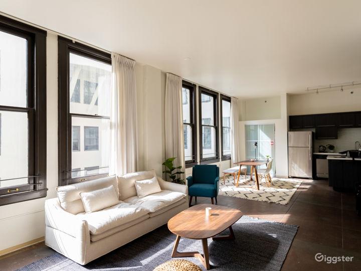 Well-lit, Hip Modern Downtown Loft w/ Huge Windows Photo 4