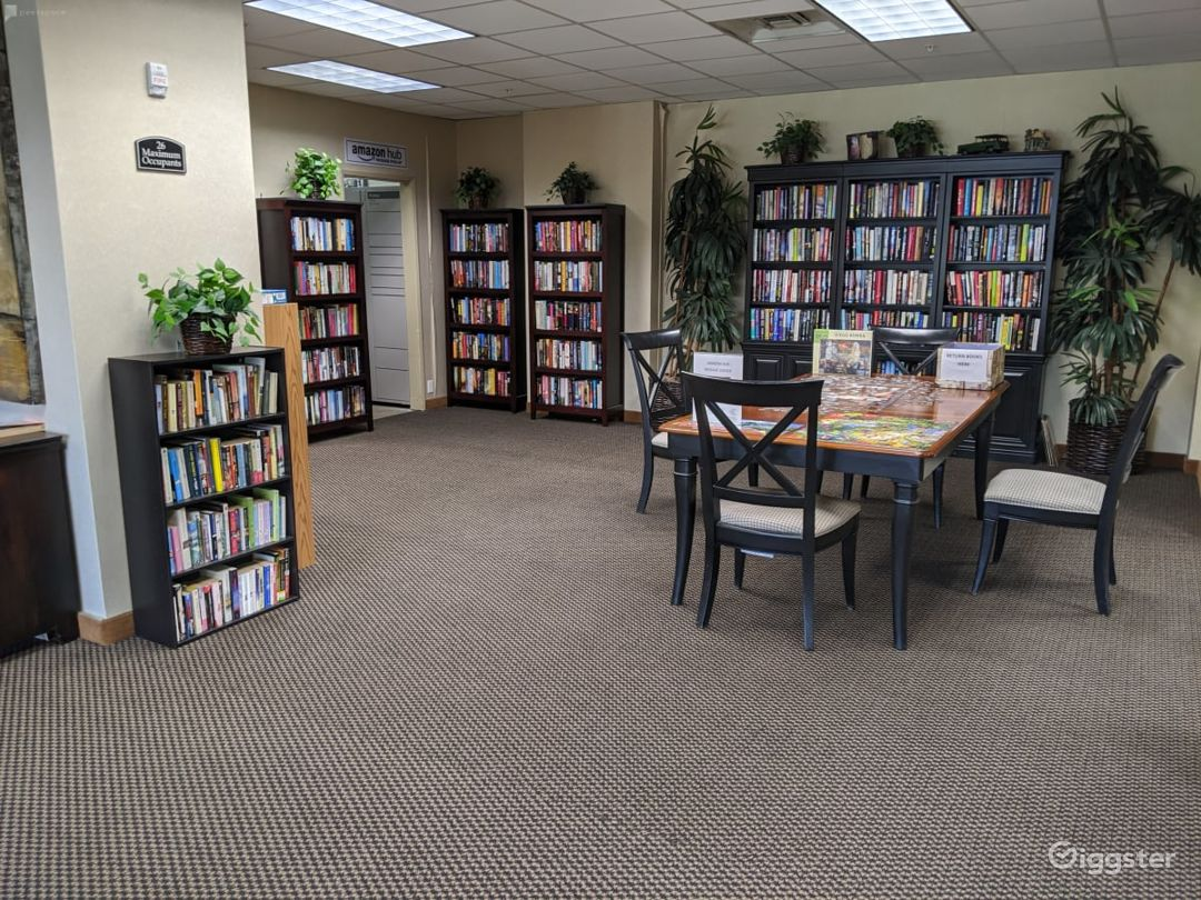 Capacious Library Type Meeting Room in San Mateo Photo 1