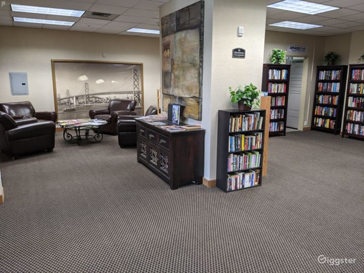 Capacious Library Type Meeting Room in San Mateo Photo 4
