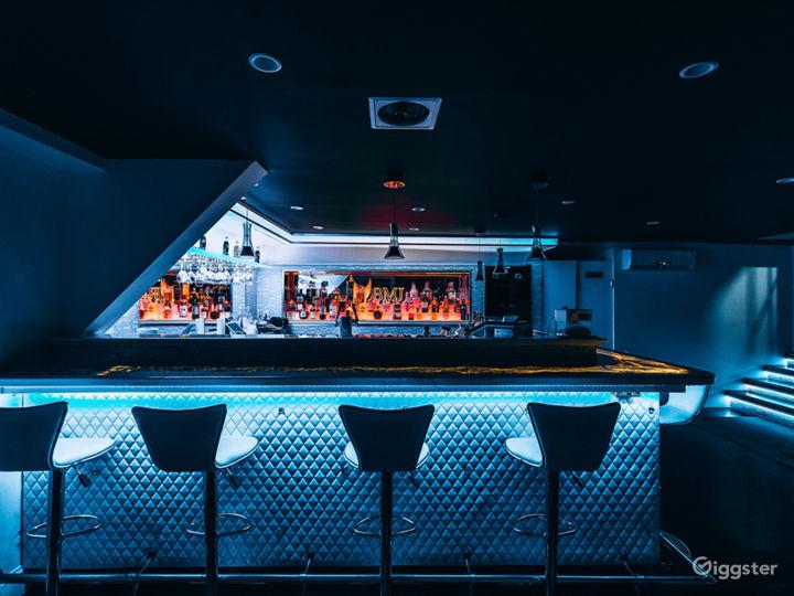 Lounge/Rooftop Studio B