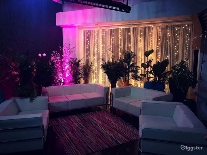 Lounge/Rooftop Studio B Photo 2