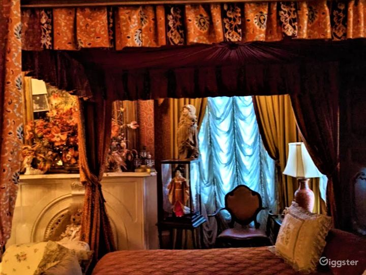 Victorian Bridal Suite in Louisiana Photo 2