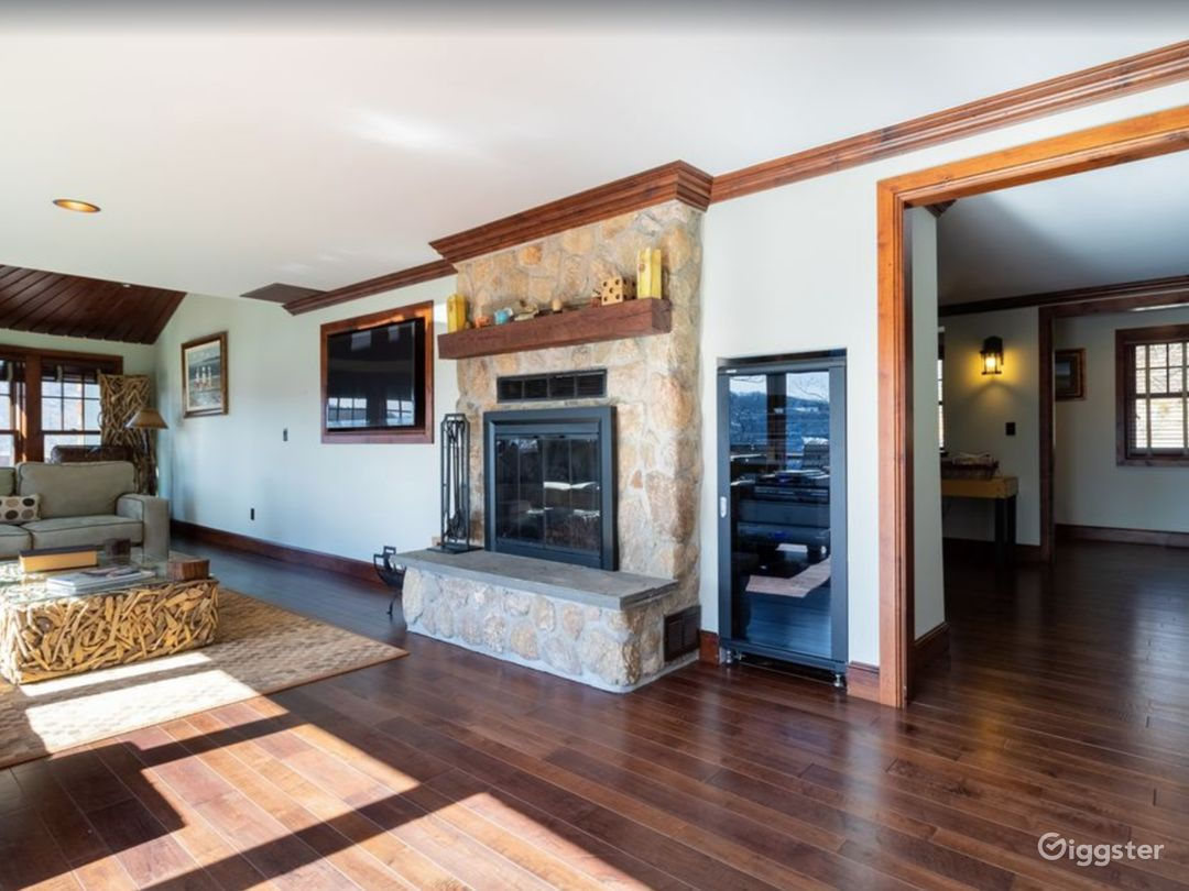 Very Private Candlewood Lake Exclusive Home Photo 5