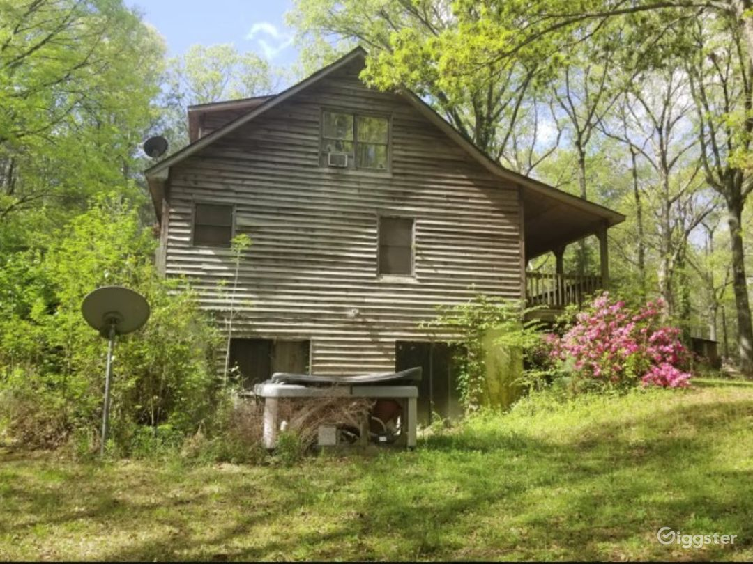 Rustic Style Home on Wooded Acres Photo 1