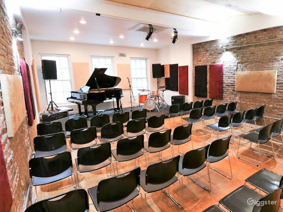 Well-equipped Music Studio in New York Photo 1