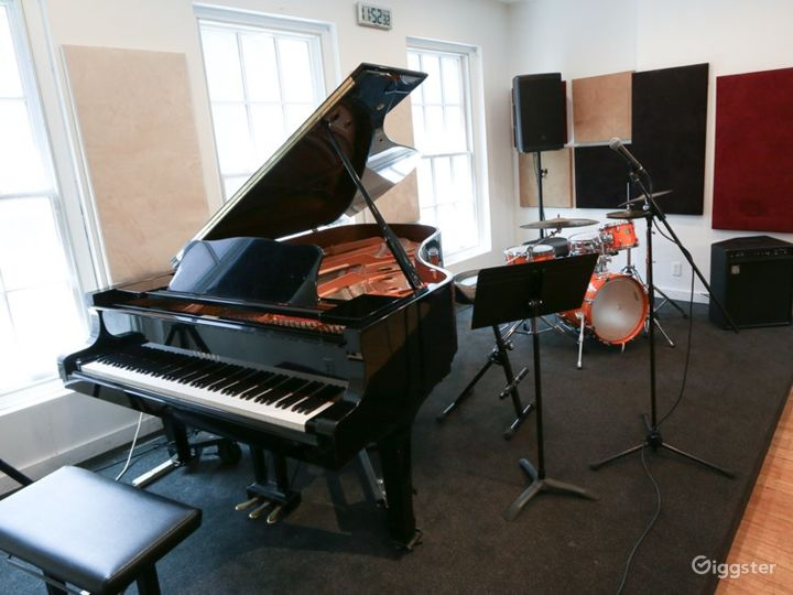 Well-equipped Music Studio in New York Photo 4