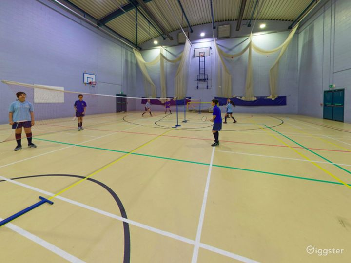 Equipped Sports Hall in London Photo 4