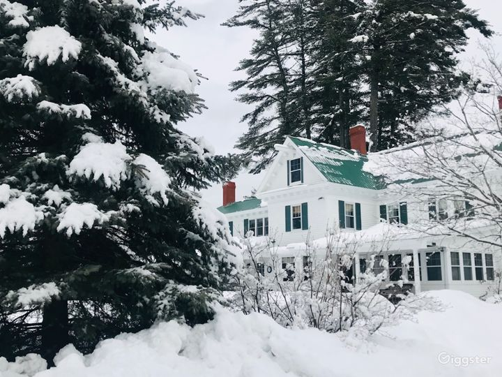Back of house in winter