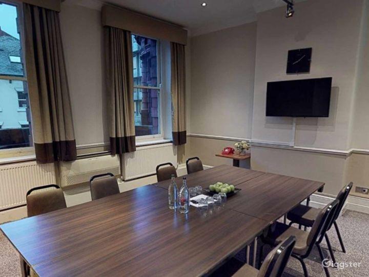 Intimate Meeting Room in Leeds