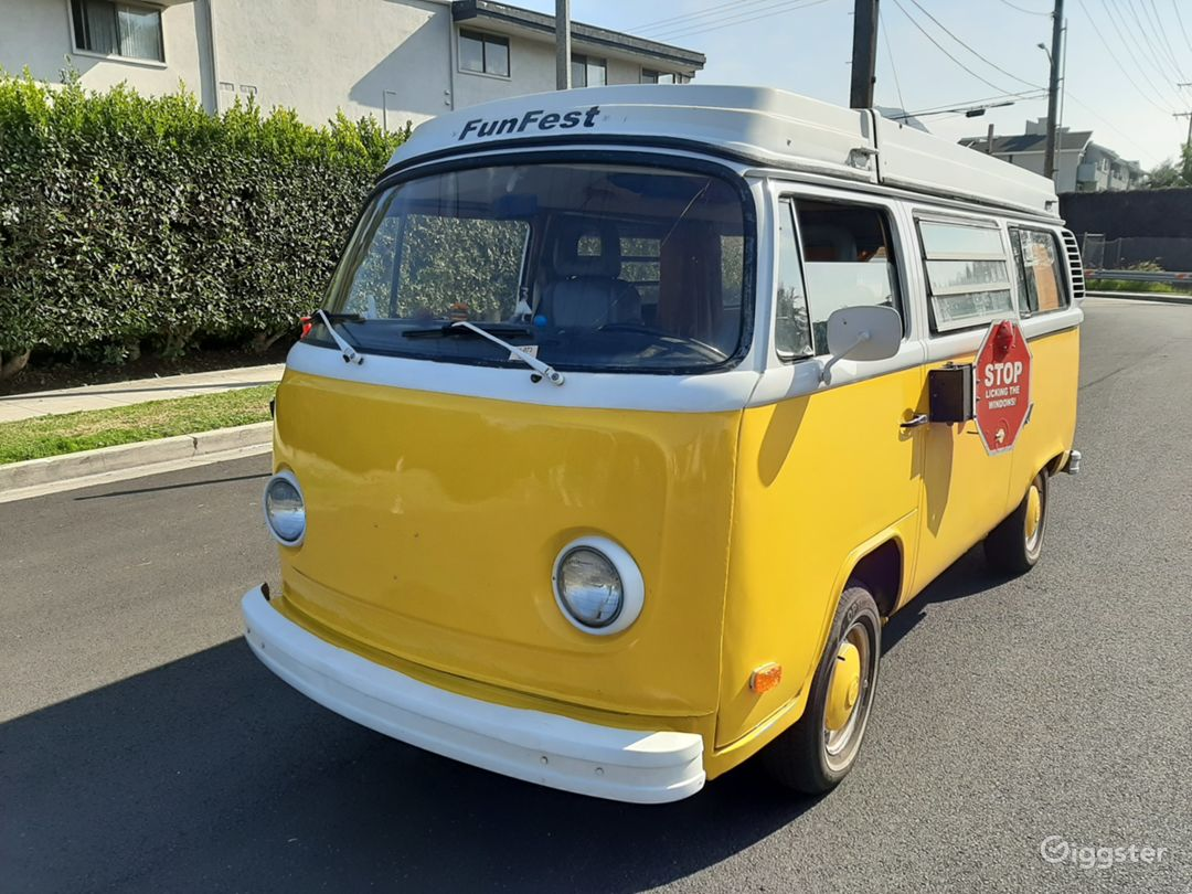 Vintage 1977 VW Bus Yellow/White - POP TOP - Photo 5