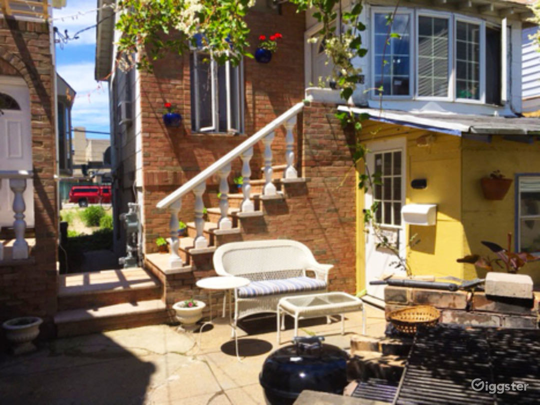 Vibrant Backyard With Table Photo 3