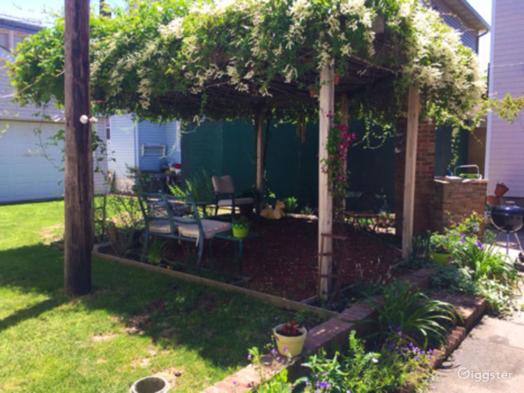 Vibrant Backyard With Table Photo 4