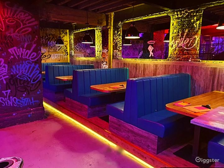 Vibrant Games Bar with Good Music in Manchester Photo 5