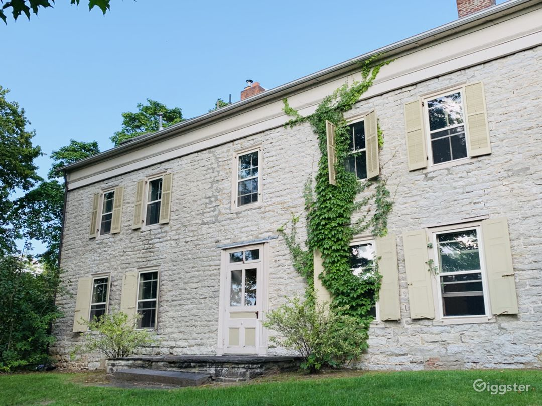 Oliver House Photo 5