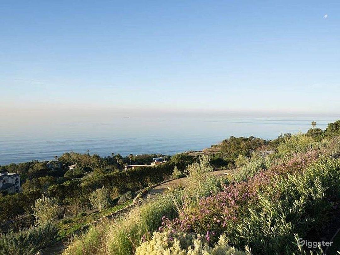 Huge Modern Malibu Oceanfront Estate Photo 2