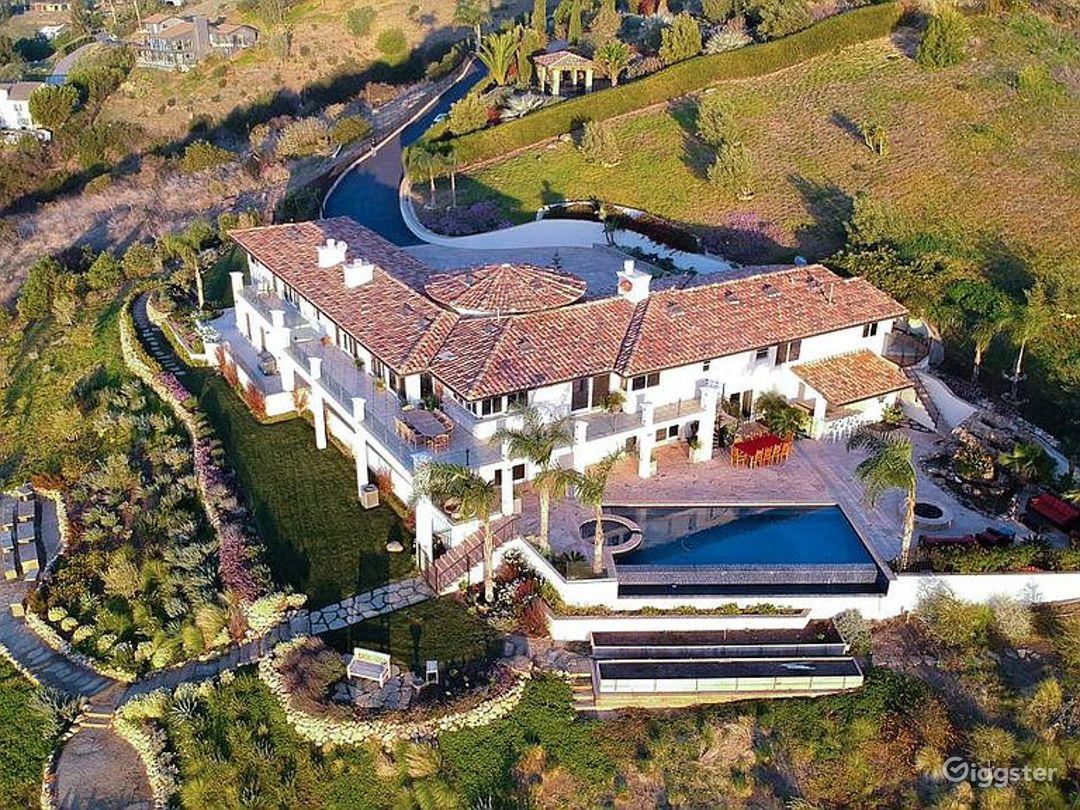 Huge Modern Malibu Oceanfront Estate Photo 1