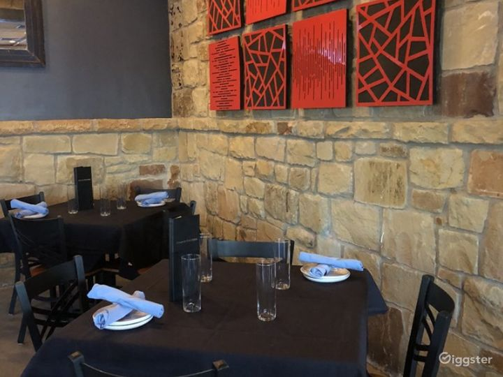 Sophisticated and Classy Resto-Bar in Austin TX Buyout Photo 3