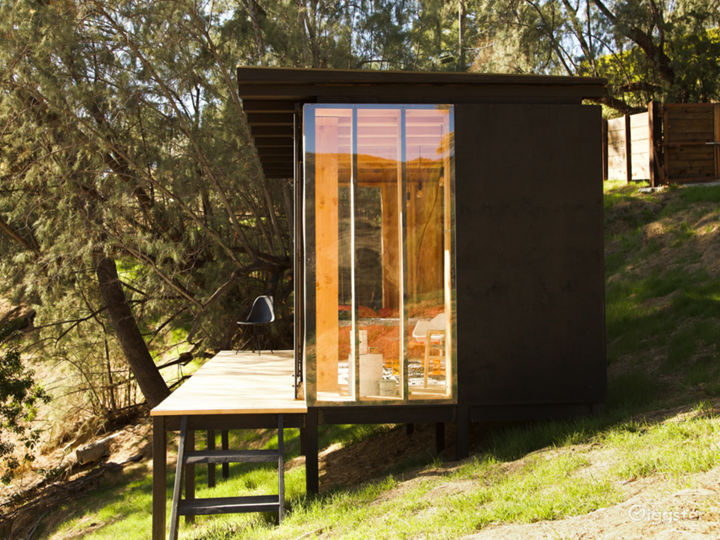 Contemporary nature cabin with mountains view Photo 3