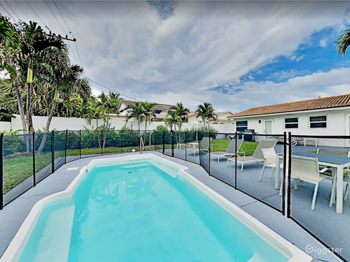 Luxury Sunrise Beach Front House with Pool  Photo 4