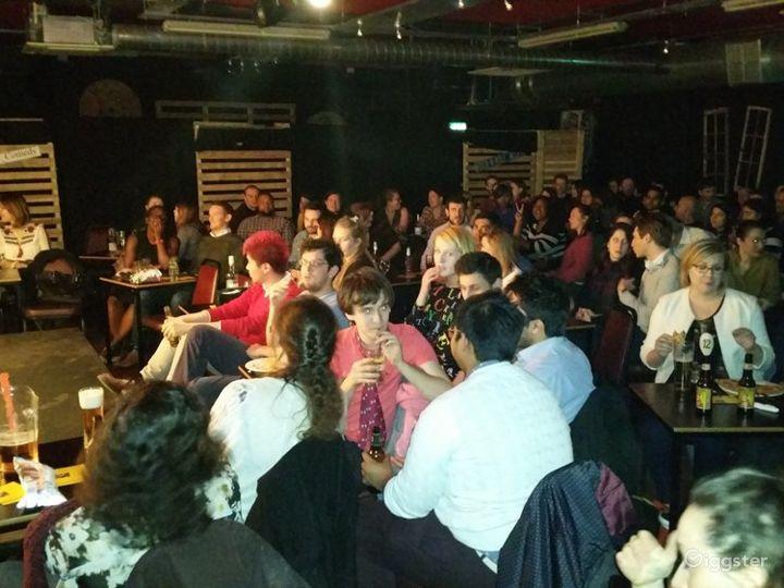 Energetic & Friendly Atmosphere Bar in London Photo 2