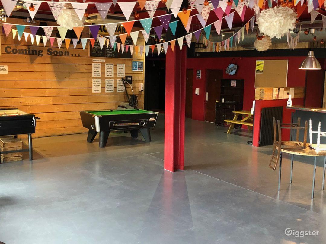 Energetic & Friendly Atmosphere Bar in London Photo 1