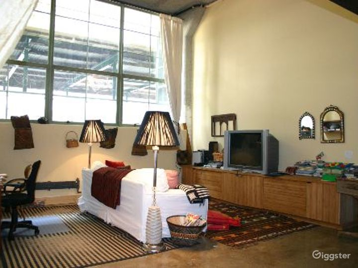 Boho, gothic loft apartment: Location 4029 Photo 3