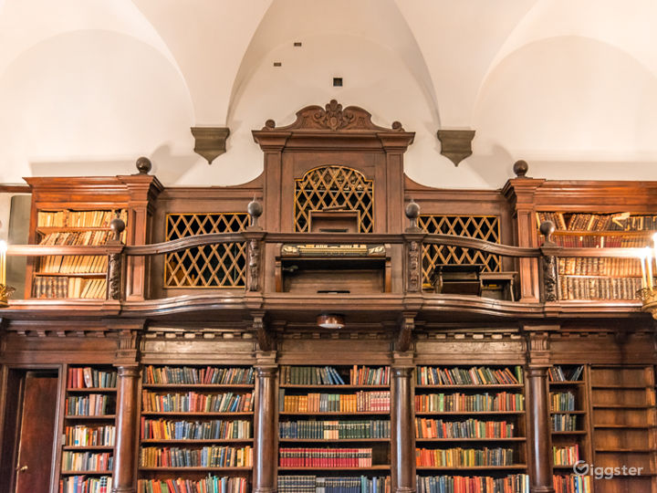 Stately Library in New York Photo 4