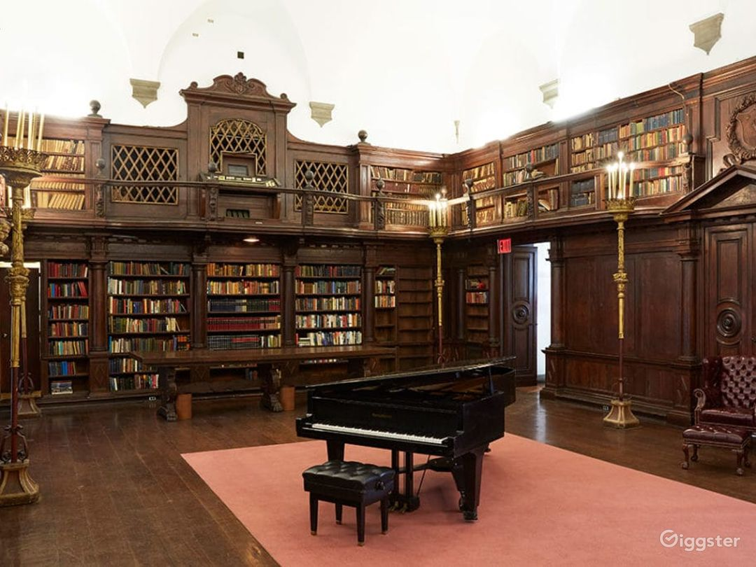 Stately Library in New York Photo 1