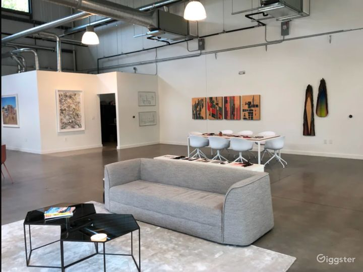 Light Filled Art Gallery / Creative Office