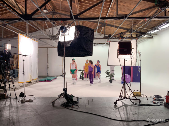 7000 sqft Film Video & Photo studio w/ Pre lit Cyc Photo 3