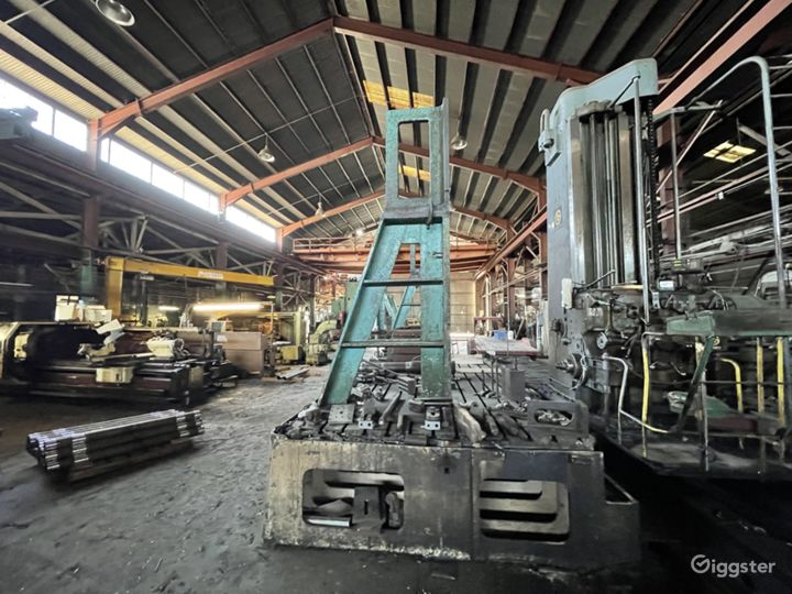 Massive Metal Shop Warehouse Location Photo 3