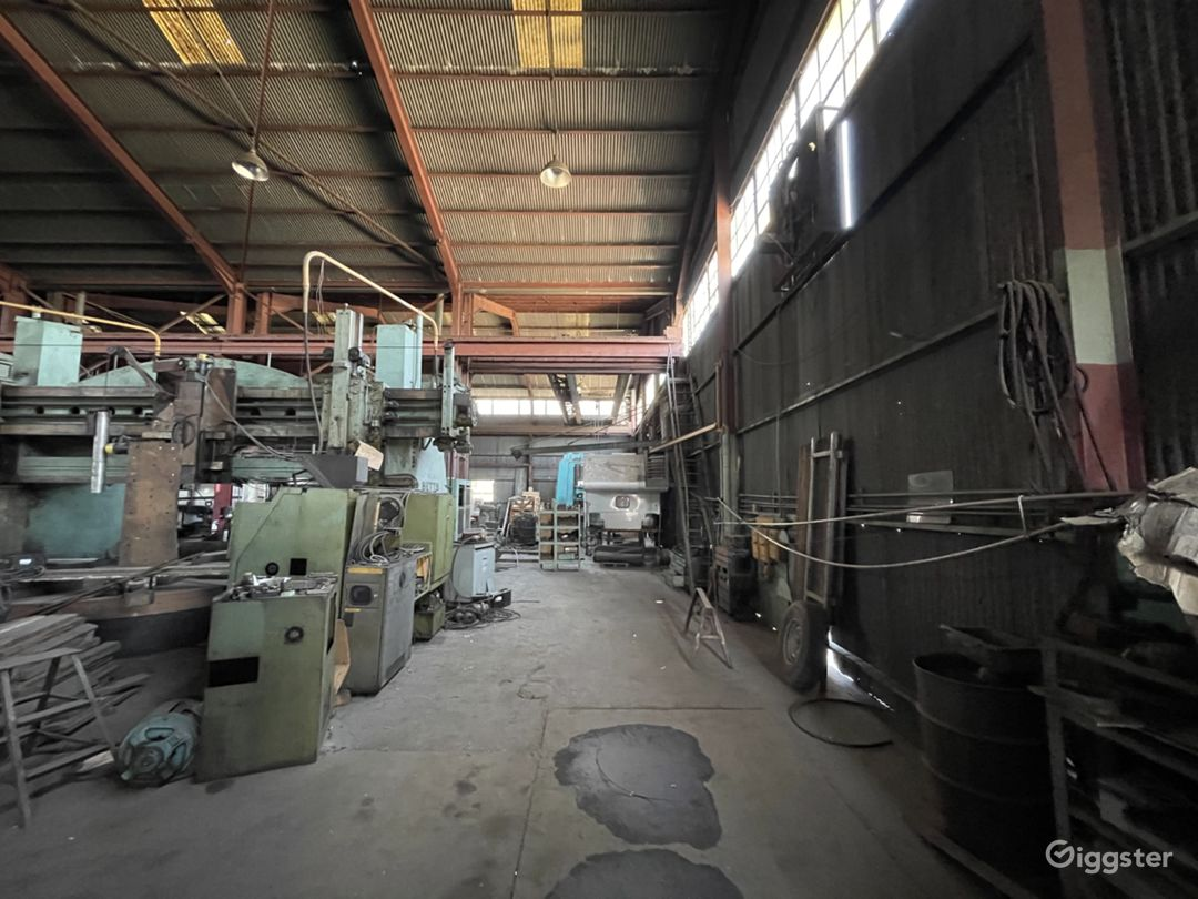 Massive Metal Shop Warehouse Location Photo 1